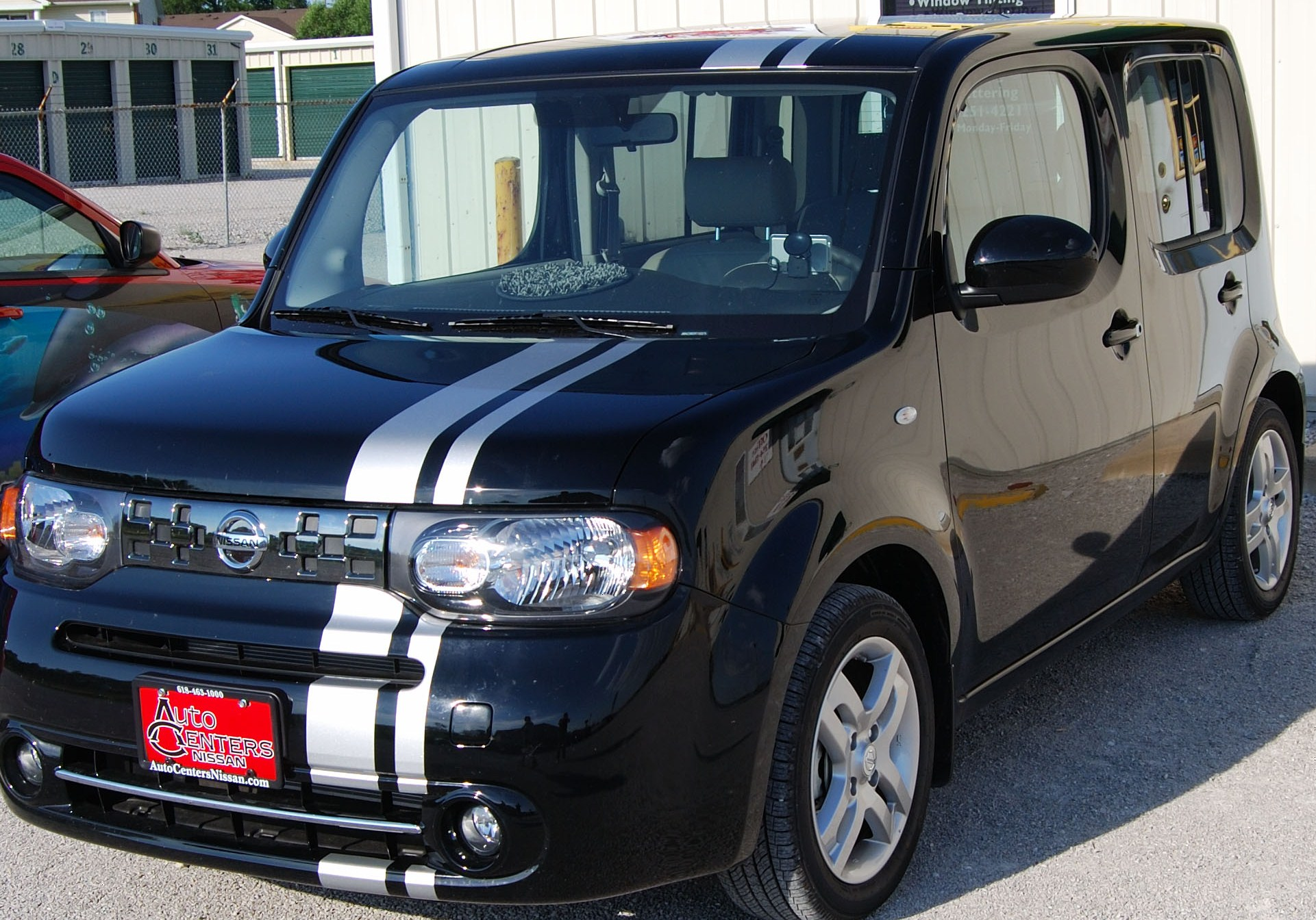 Nissan Cube Offset rally stripes