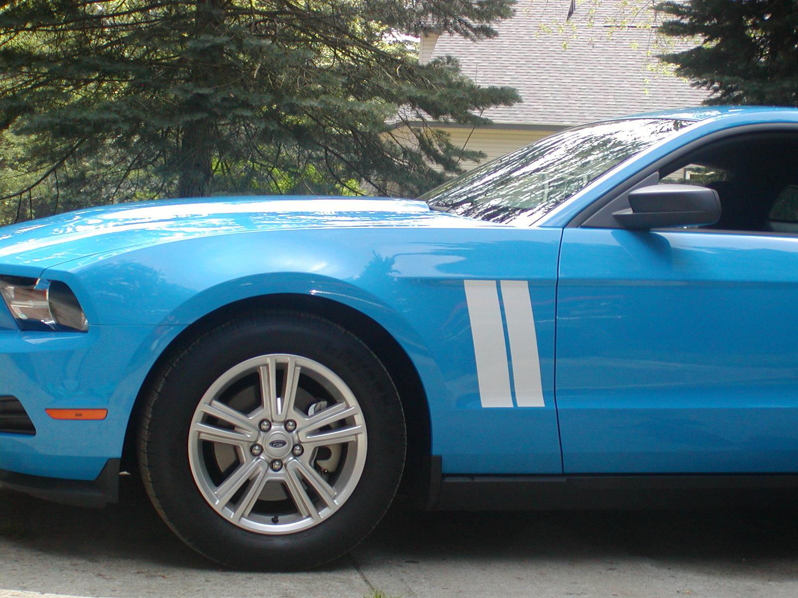 �2010 - 2011 - 2012 Mustang Short fender Hash Mark Stripes Set