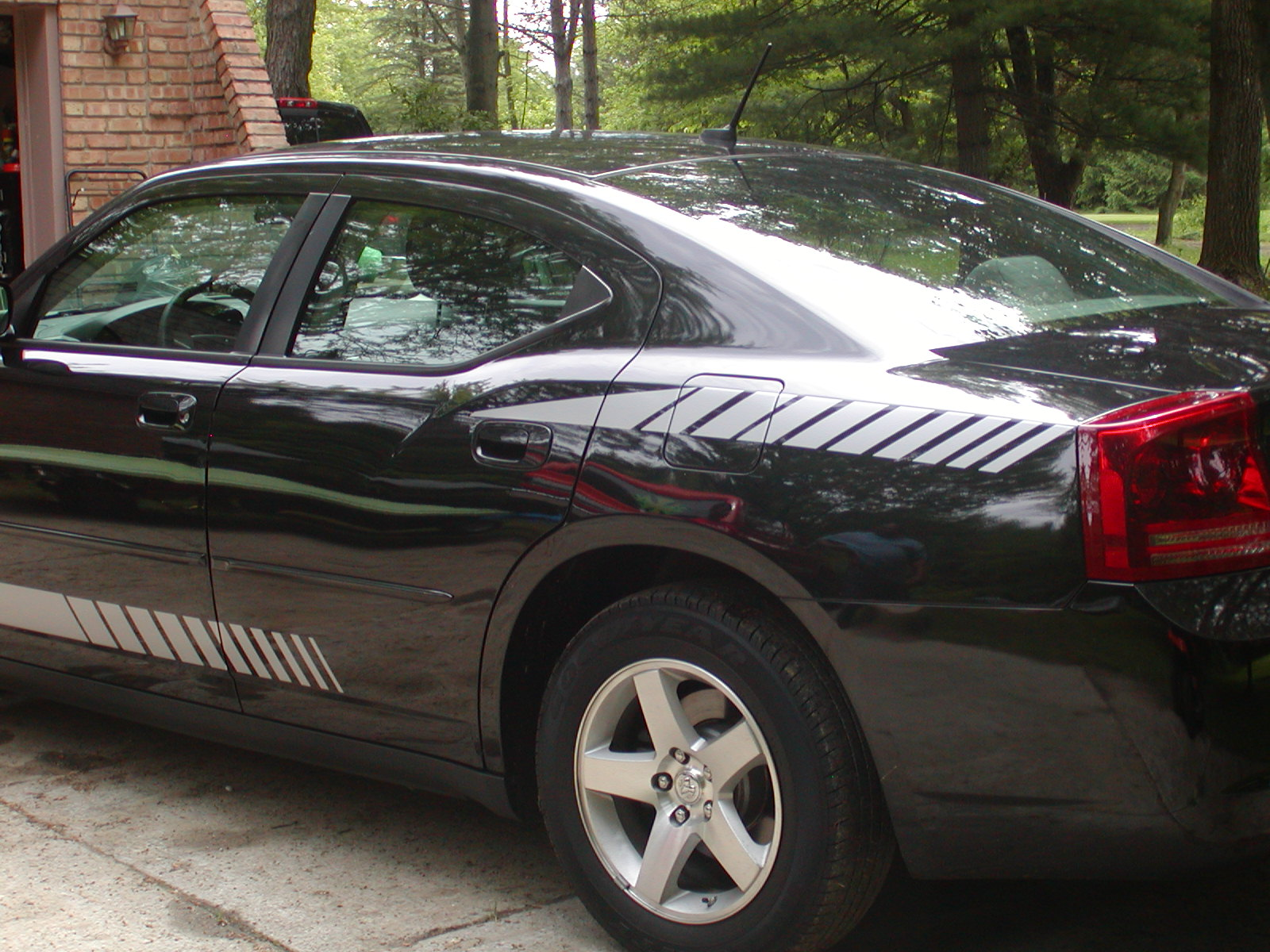 Car custom decals and graphics - Dodge Charger Avenger Fading Rear Quarter Fender Stripe Decals